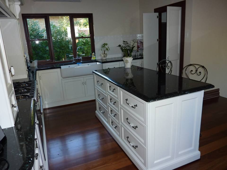 French Provincial Country Kitchen 1