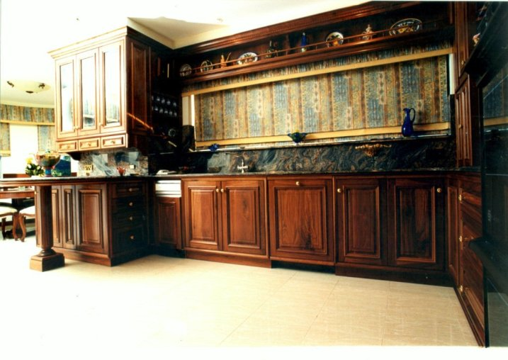 Traditional Classic Kitchen in Solid American Walnut 1